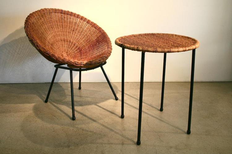 1950er rattan sessel mit passendem tischchen aus italien for Stuhl metallbeine