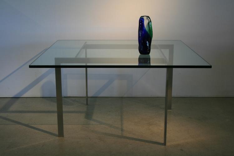 eleganter couchtisch mit sch ner glasplatte 4957. Black Bedroom Furniture Sets. Home Design Ideas