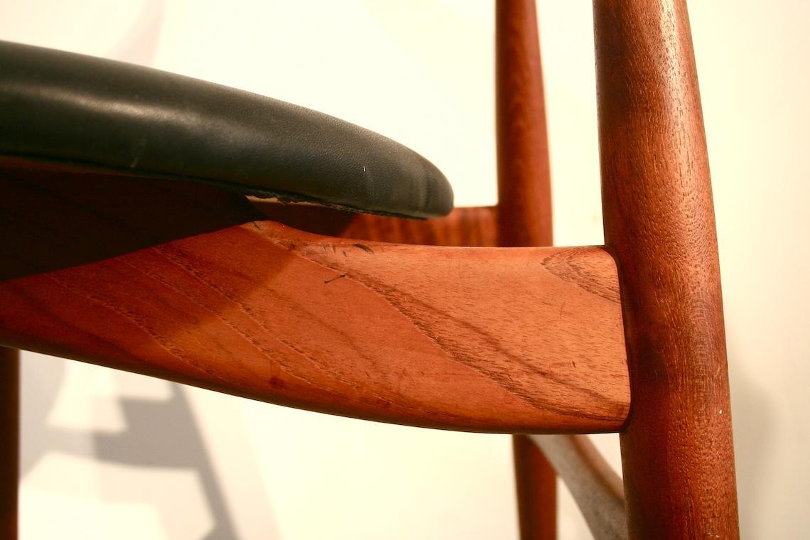 Wegener stuhl top replik hans wegner stuhl kuhhorn mkw for Design stuhl replik